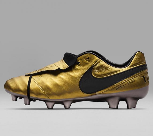Roma Totti Edición Botas Presenta Las Limitada De Time X Nike UZYPqw