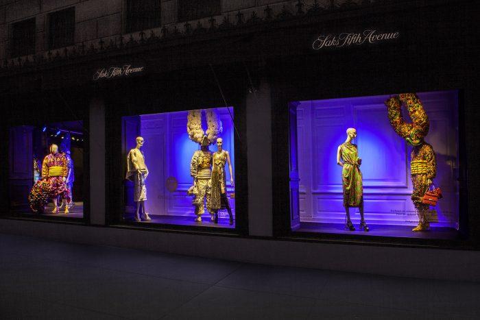 Los Lechones de Santiago adornan Saks Fifth Avenue N.Y.