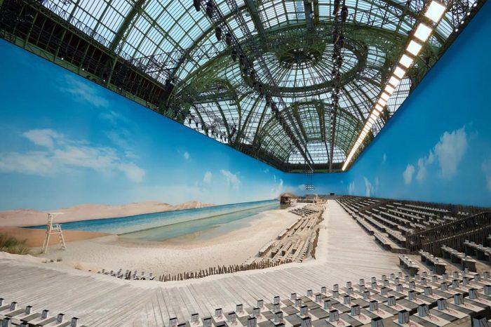 Le Grand Palais es una playa para el show de Chanel