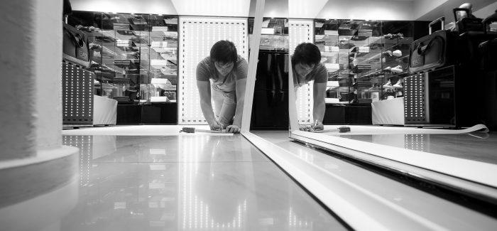 Decoración de boutiques de Emporio Armani en Madrid y Barcelona by INSTORE