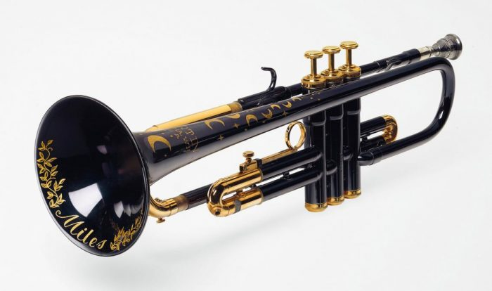 La trompeta de la luna y la estrella de Miles Davis