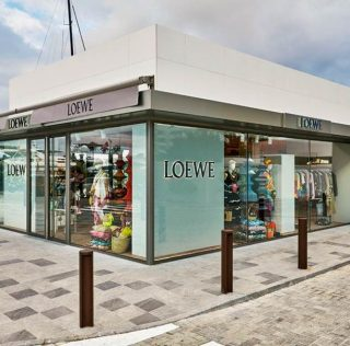 Loewe, pop-up en Ibiza y Saint Tropez